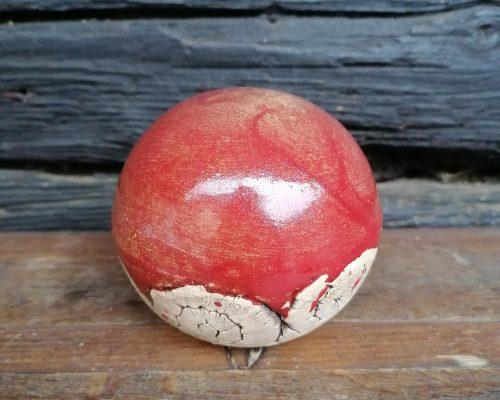 klein rot keramik kugel