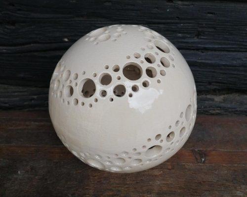 groß weiße keramik kugel