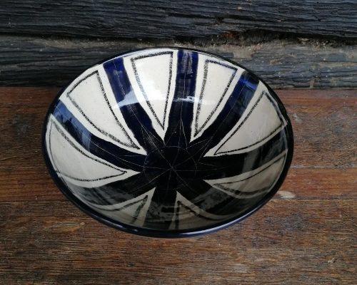 klein schwarz-weiß keramik schale
