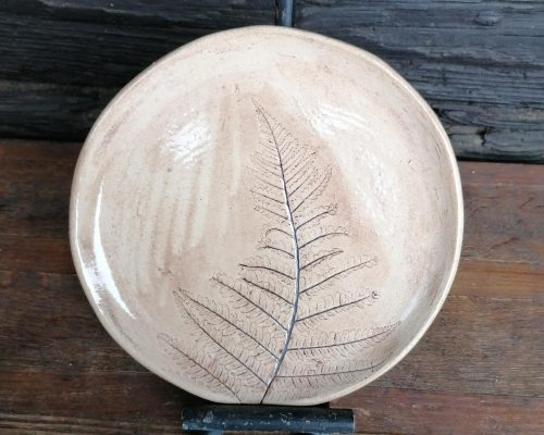 klein keramik teller mit farnabdruck