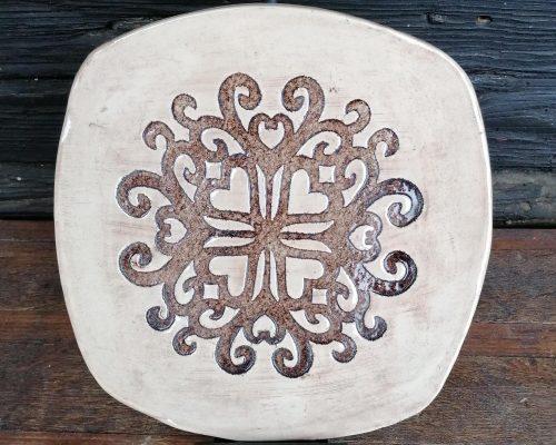keramik teller mit herzabdruck